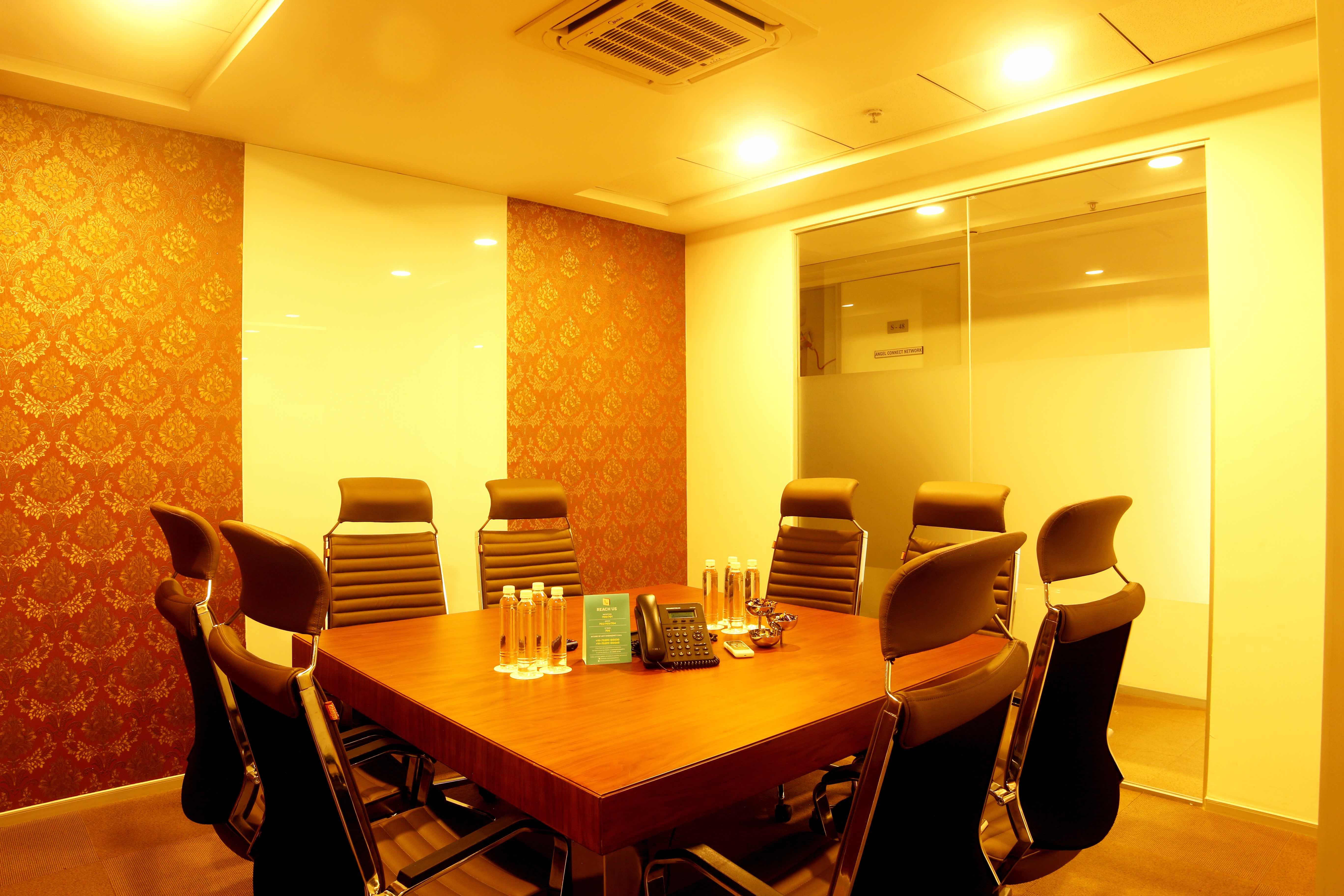 https://www.centre-a.com/blog/wp-content/uploads/2017/11/8-Seater-Meeting-Room